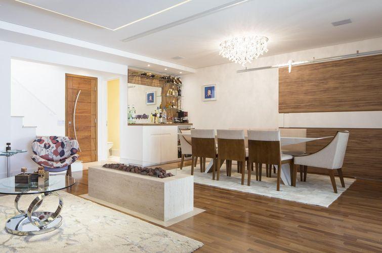 10396-sala-de-estar-cadeiras-de-madeira-decoracao-charquitetura-10396